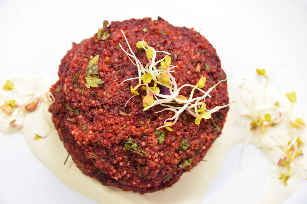 Wegańskie burgery buraczano-jaglane